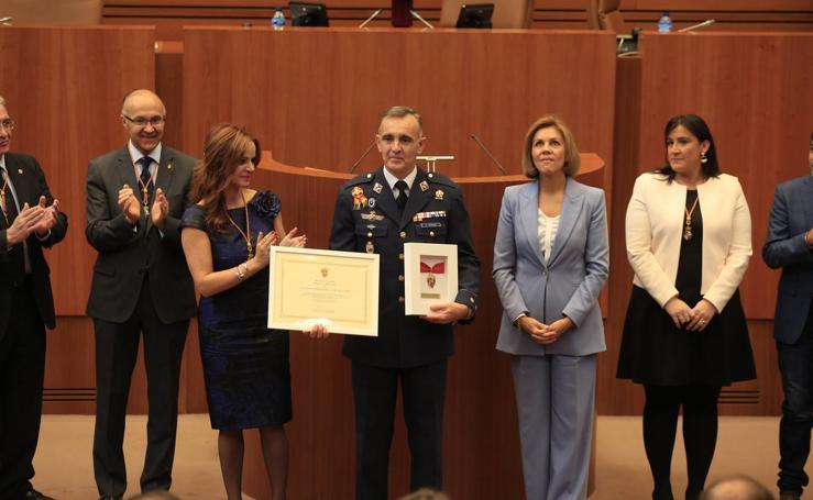 Entrega de la Medalla de Oro de las Cortes a la Academia Básica del Aire de León