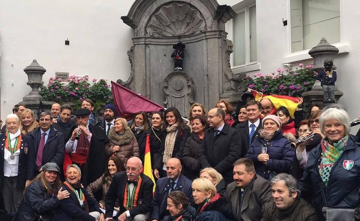 El Manneken Pis de Bruselas se viste de 'segoviano'