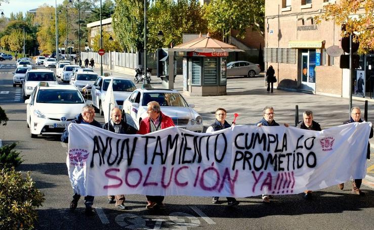 Los taxistas de Valladolid vuelven a reclamar la jornada de 16 horas