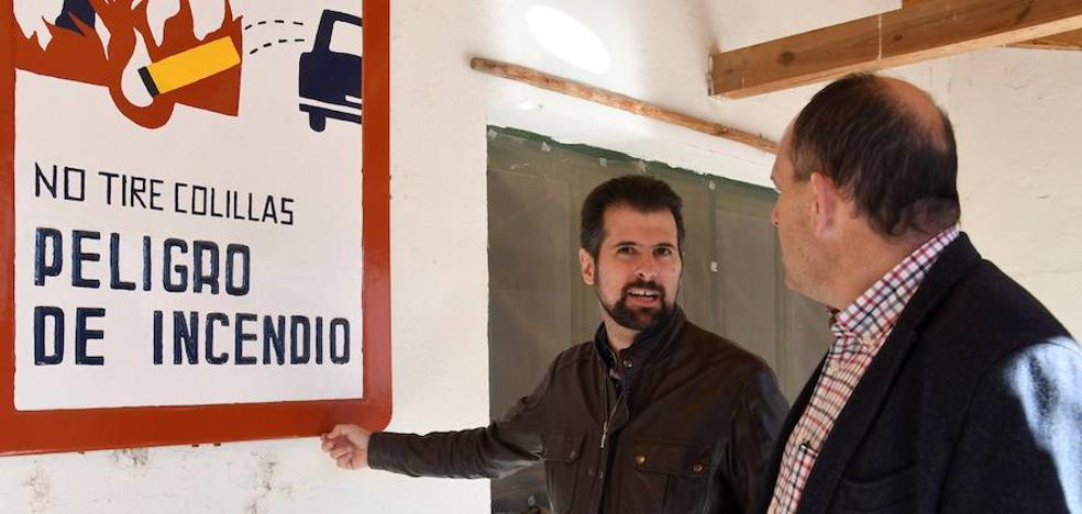Luis Tudanca: «Menos discursos bonitos y más acción contra las llamas»