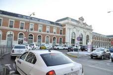 Cincuenta pasajeros de tren que viajaban a Ávila, trasladados en autobús por una avería