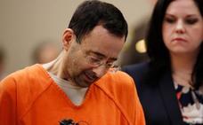 El exmédico del equipo de gimnasia de EE UU admite que abusó de siete menores