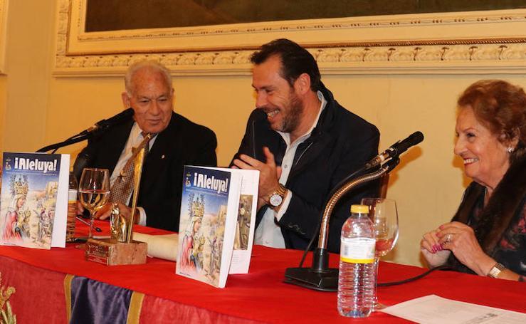 Entrega del Prmio de la Asociación Belenista al Periodista Angel Cuaresma