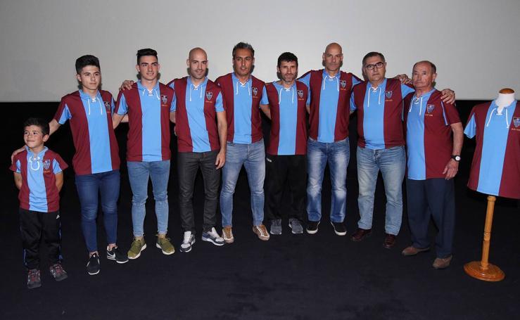 La Gimnástica Segoviana presenta su camiseta conmemorativa del 90 aniversario