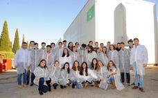 Los alumnos del colegio Ntra. Sra. de Lourdes visitan la fábrica de AMRI