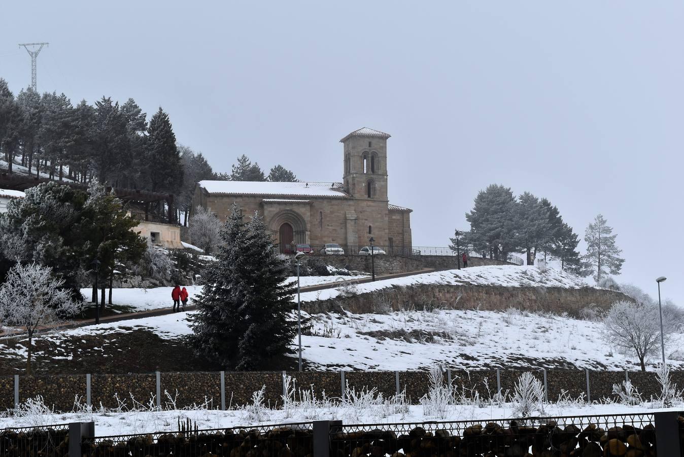La nieve y el hielo perduran en Aguilar de Campoo
