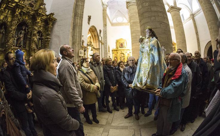 Virgen de los Pegotes en Nava del Rey