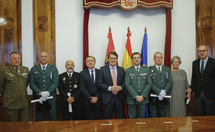 Orden del Mérito Civil a cuatro servidores públicos