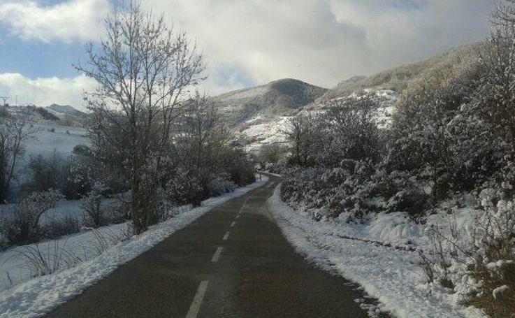 La nieve llega de nuevo a la Montaña Palentina