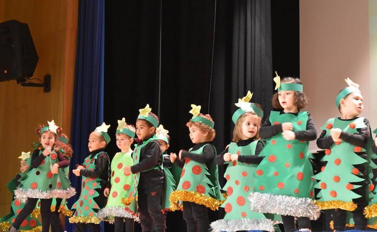 La fiesta de los alumnos de Infantil del colegio Castilla y León de Aguilar