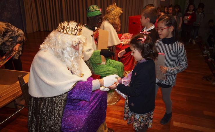 Visita de los Reyes Magos al Colegio Santa Teresa de Jesús