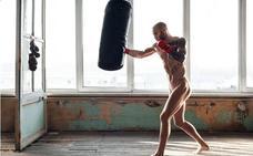 Atrevidos desnudos de deportistas de todo el mundo para un calendario benéfico