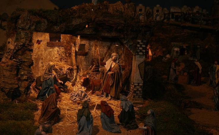 Más de 200 figuras componen el belén de la Orden Franciscana Seglar