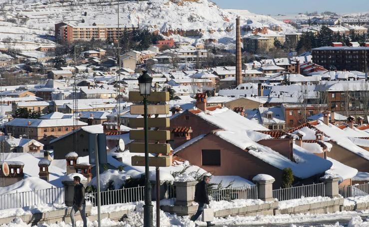 Segovia se viste de blanco