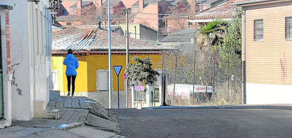 La reurbanización de la calle Camino de Moraleja de Medina arranca esta semana
