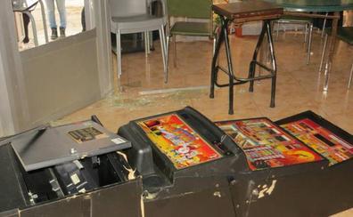 Detenido cuando se ocultaba tras la barra en un bar de Osorno que había robado