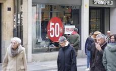 Los primeros días de rebajas en la capital se saldan con ventas «discretas y moderadas»