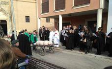 Becerril celebra una fiesta de invierno con la matanza como reclamo