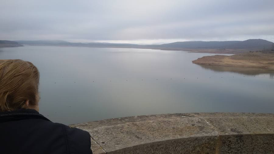 Las últimas lluvias dejan estas imágenes del pantano de Aguilar