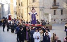 Jesús Despojado y la Virgen de la Caridad ya están en la iglesia de San Sebastián
