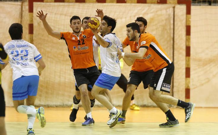 Partido entre el BM Ciudad de Salamanca y el Atlético Avilesina