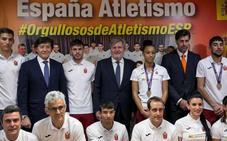 El ministro de Deportes subraya que Óscar Husillos es un ejemplo para todos