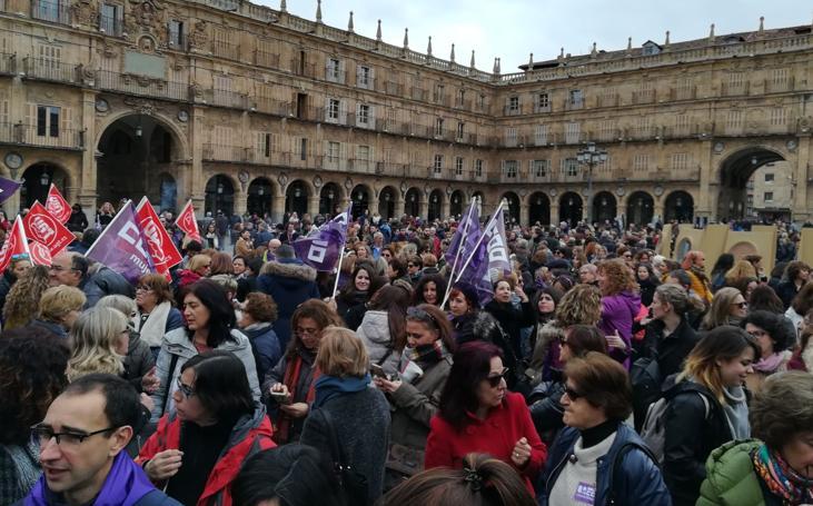 Concentración en Salamanca con motivo de la huelga del 8-M