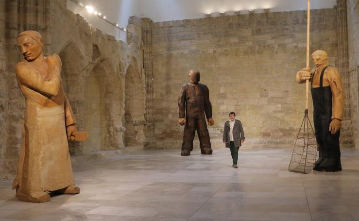 Esculturas gigantes del artista gallego Francisco Leiro en el Museo Patio Herreriano de Valladolid