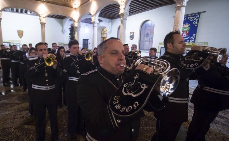 Encuentro de bandas de cornetas y tambores de Semana Santa en el Palacio Real de Valladolid