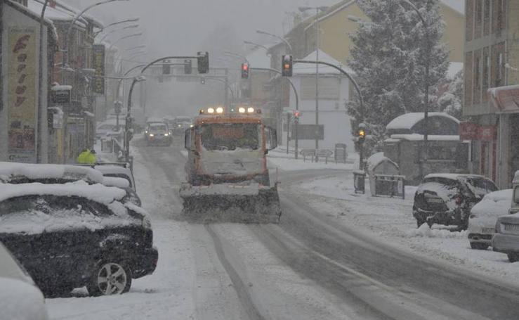 Nieve en El Espinar y en el Puerto de Navacerrada