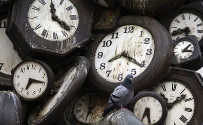 ¿Por qué se adelantan los relojes?