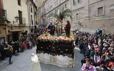La procesión del Domingo de Ramos llena el centro de la ciudad