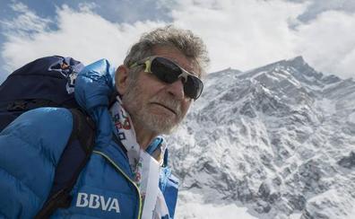 El alpinista abulense Carlos Soria inicia la expedición al Dhaugalari a sus 79 años