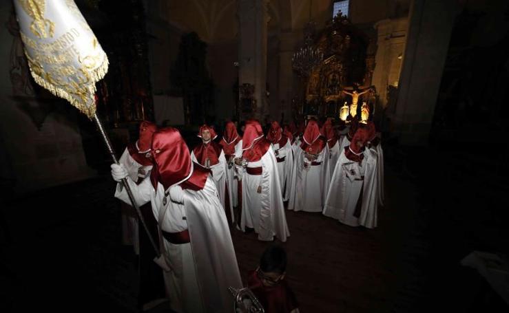 Procesión de la Cofradía del Santo Cristo de la Buena Muerte en Peñafiel