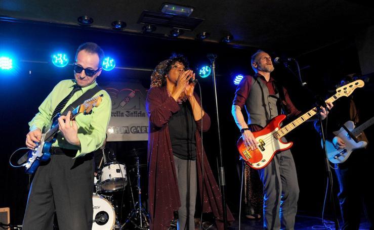 Concierto de Velma Powell & Bluedays en la sala Porta Caeli de Valladolid
