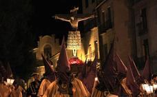 El Santo Cristo de la Cruz, a hombros de los cargadores por cuarto año consecutivo