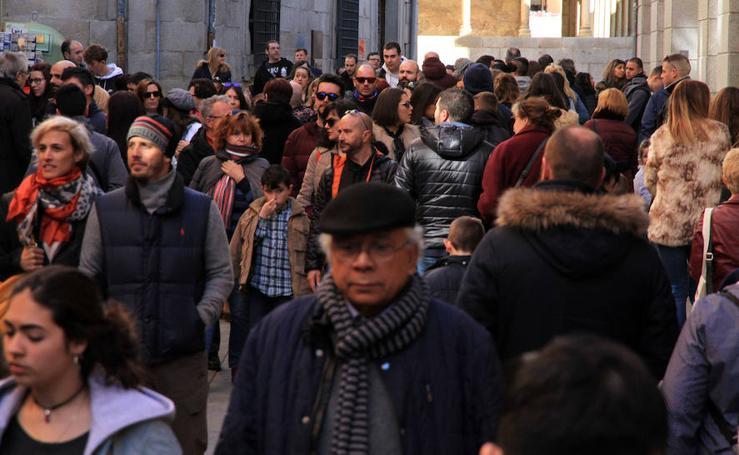 Los turistas llenan Segovia en Semana Santa