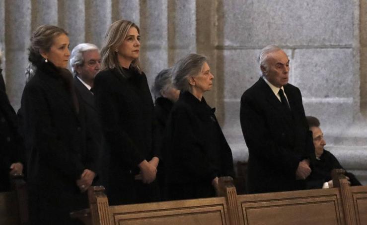 Misa funeral en memoria de don Juan de Borbón en el Monasterio de El Escorial