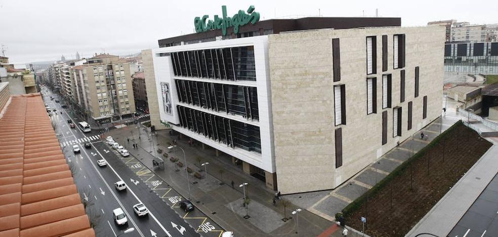 El Ayuntamiento pide un año más a la Junta para resolver el caso Corte Inglés