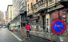 Desprendimiento de cascotes en las fachadas catalogadas de Dos de Mayo y Colmenares