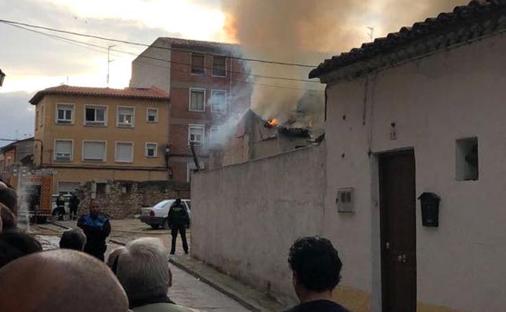 Incendio en una casa baja de Tordesillas