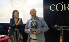El periodista salmantino Javier Martín recoge el premio Julio Anguita Parrado