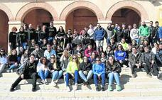 La juventud de Santiuste de San Juan Bautista celebra 'los sextos'