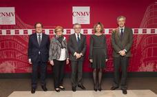 La CNMV insta a las empresas a que den ruedas de prensa al menos una vez al año