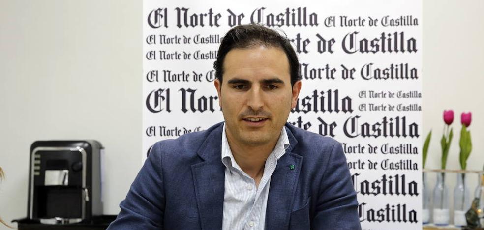 Guzmán Gómez, alcalde de Nava: «El día en el que pierda la ilusión, me iré sin que me echen»