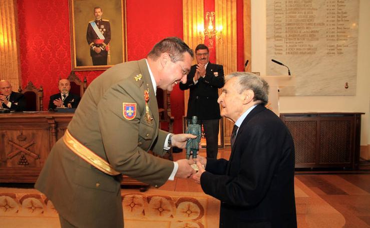 Distinciones de la Hermandad de Veteranos de las Fuerzas Armadas y de la Guardia Civil