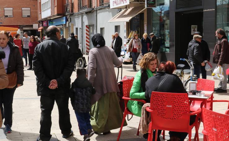 Jornada vecinal en la Plaza del Carmen, con la Red Delicas
