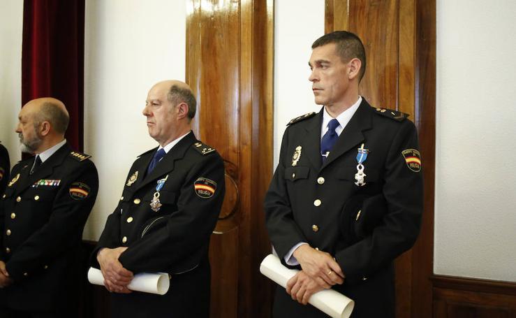 Dos policías salmantinos reciben la Orden del Mérito Civil