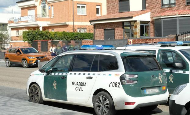 La guardia civil en el lugar del suceso.