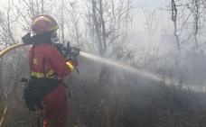 El incendio en el campo de tiro del Ferral se reactiva y obliga a intervenir a la UME